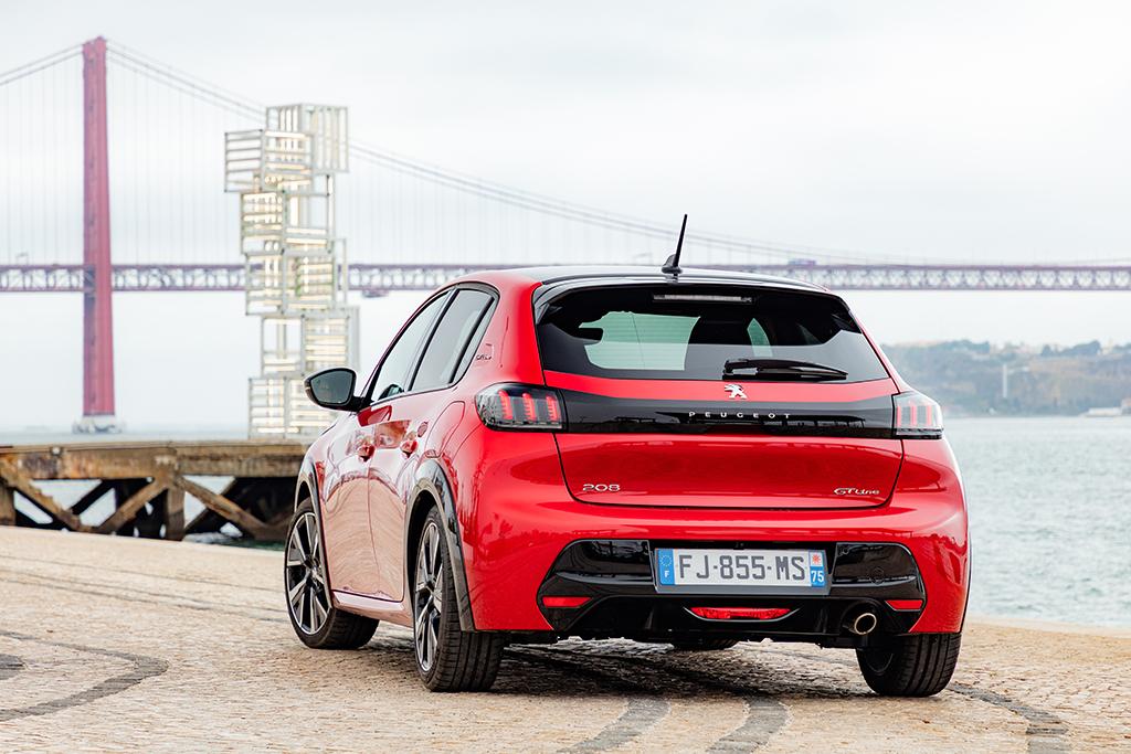 Bu görsel boş bir alt niteliğe sahip; dosya adı Yeni-Peugeot-208-tanitildi-3.jpeg