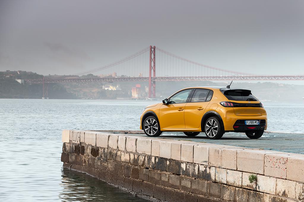 Bu görsel boş bir alt niteliğe sahip; dosya adı Yeni-Peugeot-208-tanitildi-5.jpeg