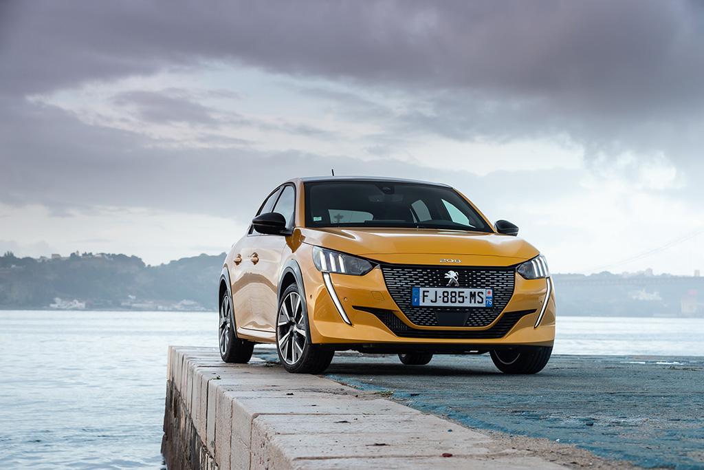 Bu görsel boş bir alt niteliğe sahip; dosya adı Yeni-Peugeot-208-tanitildi.jpeg