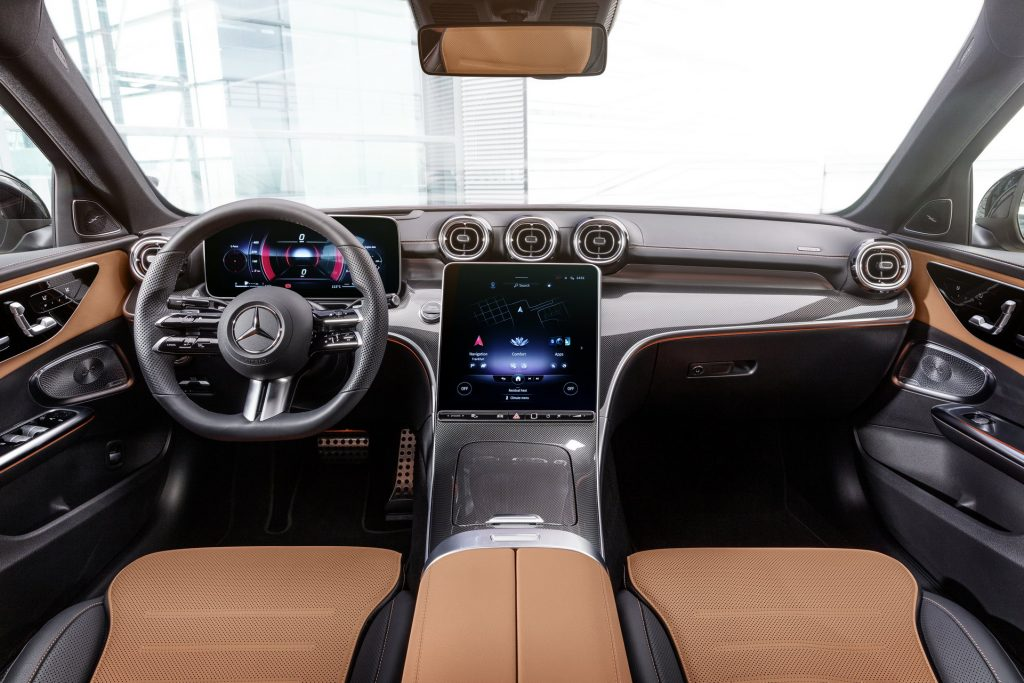 Bu görsel boş bir alt niteliğe sahip; dosya adı 2022-Mercedes-Benz-C-Class-28-1-1024x683.jpg