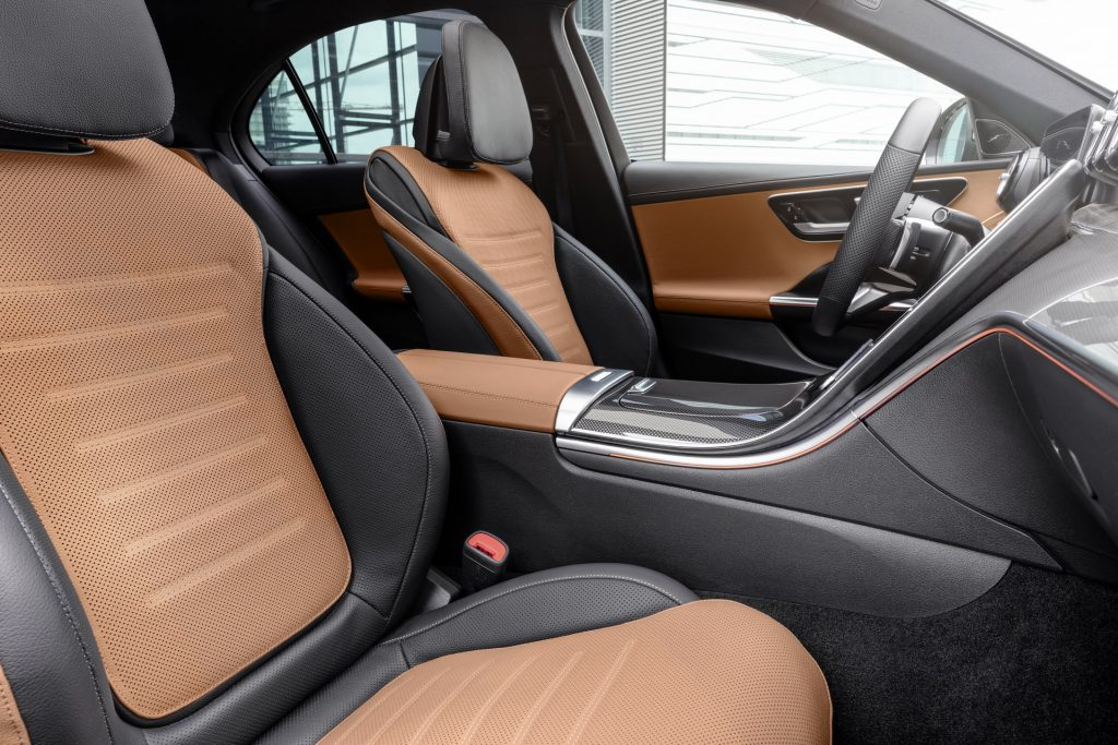 Bu görsel boş bir alt niteliğe sahip; dosya adı 2022-Mercedes-Benz-C-Class-31-1-1024x683.jpg