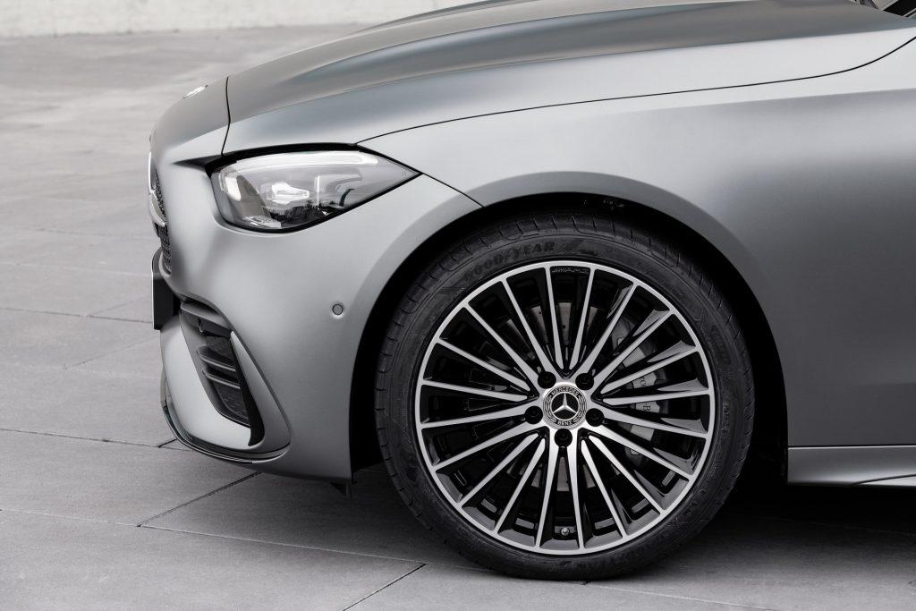 Bu görsel boş bir alt niteliğe sahip; dosya adı 2022-Mercedes-Benz-C-Class-33-1-1024x683.jpg
