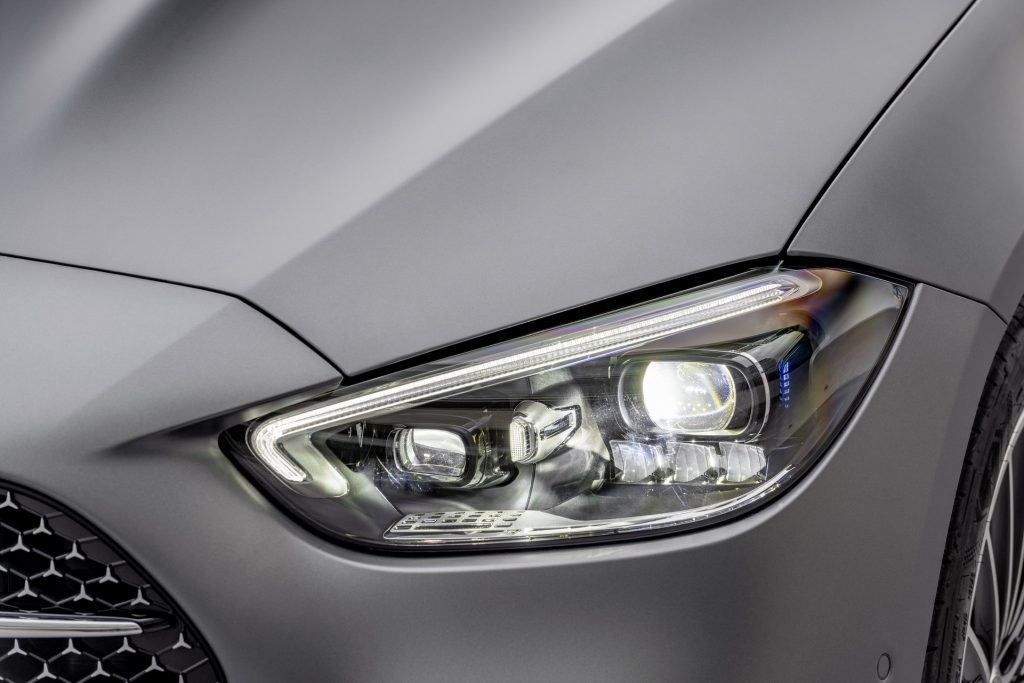Bu görsel boş bir alt niteliğe sahip; dosya adı 2022-Mercedes-Benz-C-Class-35-1-1024x683.jpg