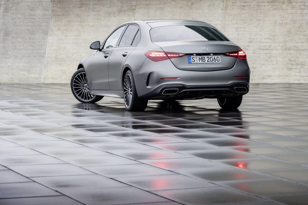 Bu görsel boş bir alt niteliğe sahip; dosya adı 2022-Mercedes-Benz-C-Class-38-1-1024x683.jpg