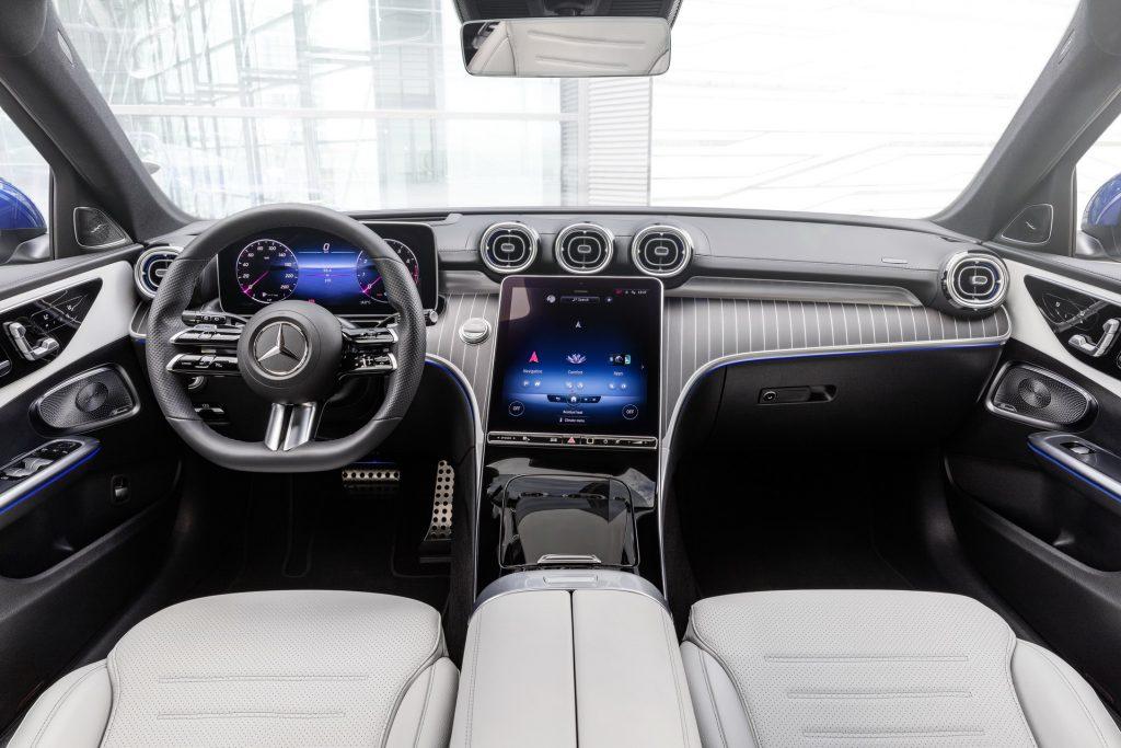 Bu görsel boş bir alt niteliğe sahip; dosya adı 2022-Mercedes-Benz-C-Class-50-1-1024x683.jpg