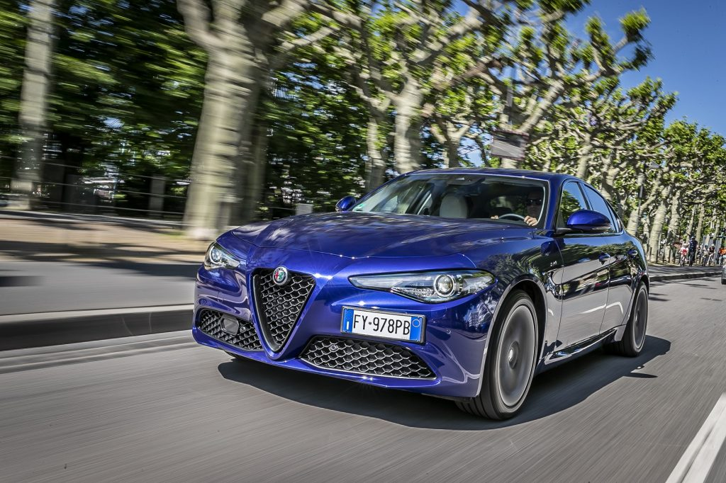 Bu görsel boş bir alt niteliğe sahip; dosya adı Alfa-Romeo-Giulia-1024x682.jpg