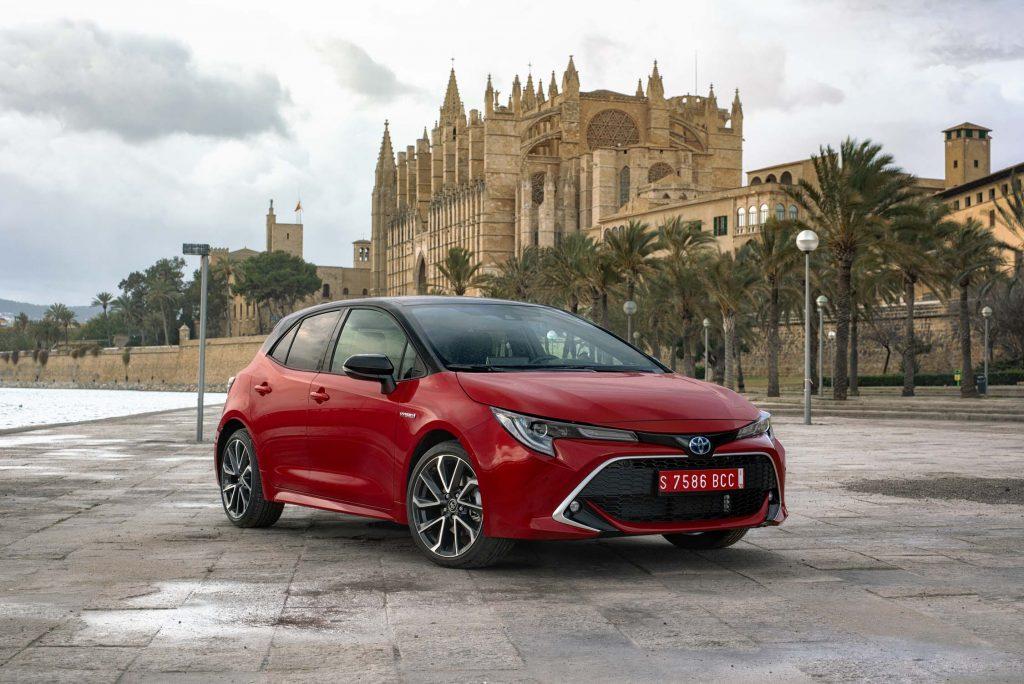 Bu görsel boş bir alt niteliğe sahip; dosya adı Corolla-Hatchback-1024x684.jpg