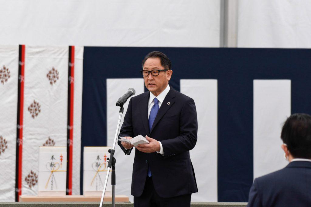 Bu görsel boş bir alt niteliğe sahip; dosya adı Toyota-Baskani-Akio-Toyoda-1024x684.jpg
