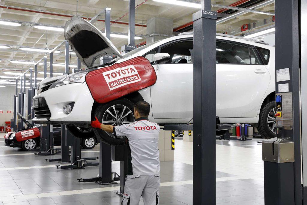 Bu görsel boş bir alt niteliğe sahip; dosya adı Toyota-Plaza-Servis-1024x683.jpg
