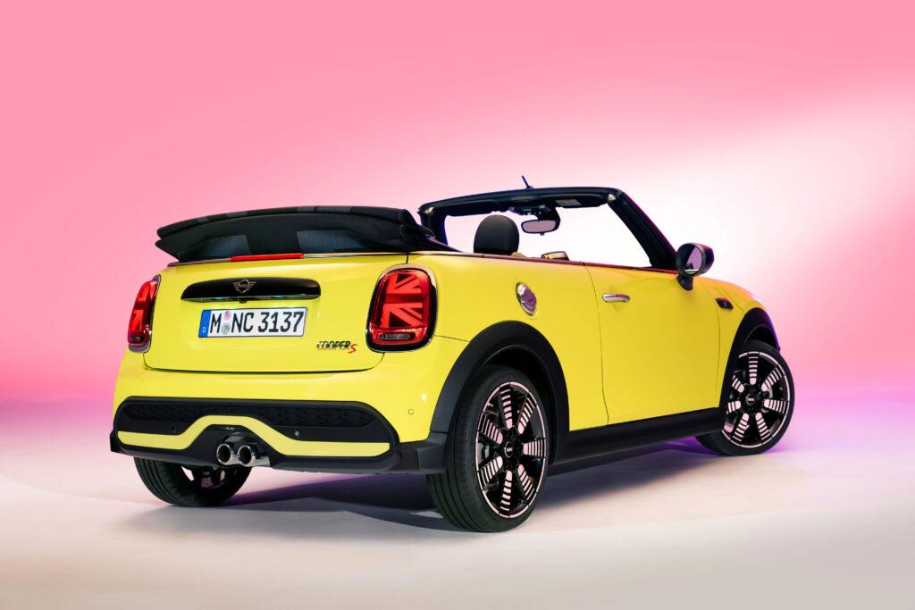 Bu görsel boş bir alt niteliğe sahip; dosya adı Yeni-MINI-Cabrio-1024x683.jpg