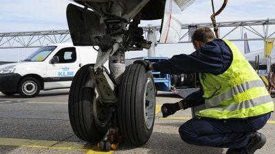 Air France Industries KLM'nin Boeing 737 filosu Goodyear imzası taşıyor