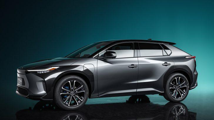 Toyota bZ4X konsepti ile geleceği şimdiden gösterdi