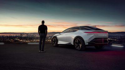 Lexus 2 Milyon elektrik motorlu araç satışıyla global bir başarıya imza attı