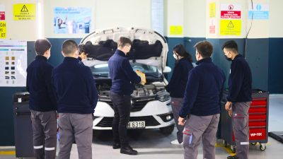 Bosch Car Service, ilk defa bir okulda hizmet veriyor
