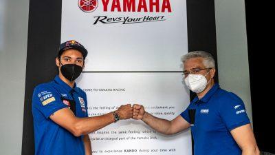 Toprak Razgatlıoğlu 2 yıl daha Pata Yamaha'da