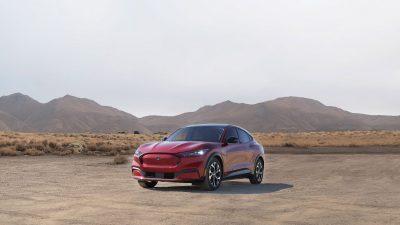 Ford, en yeni elektrikli araçlarını Dijital Autoshow'da görücüye çıkardı